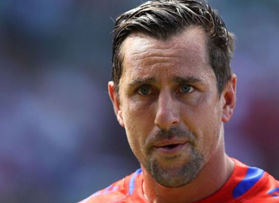 Mitchell Pearce takes early lead in Arthur Beetson Medal race