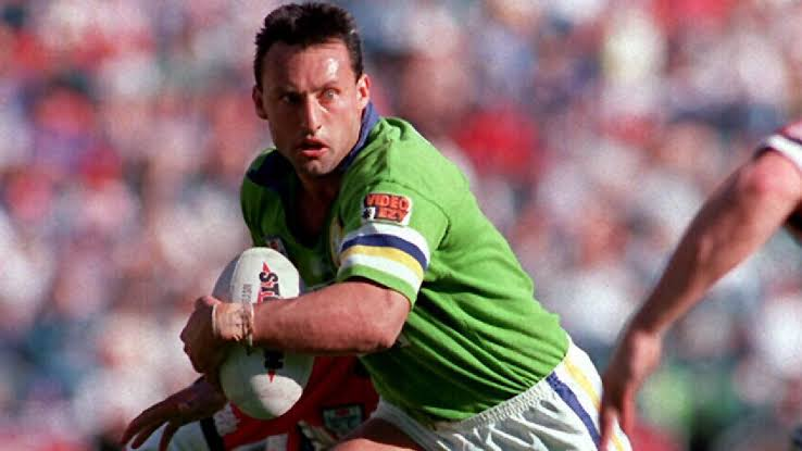 "Laurie Daley ""seriously"" considered leaving Canberra for Magpies or Saints in 1991"